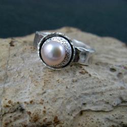 perłowy,efektowny - Pierścionki - Biżuteria
