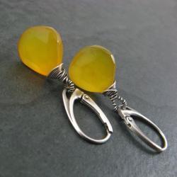 chalcedon miodowy,drobne kolczyki - Kolczyki - Biżuteria