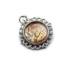wisior w koronkowej oprawie - Wisiory - Biżuteria