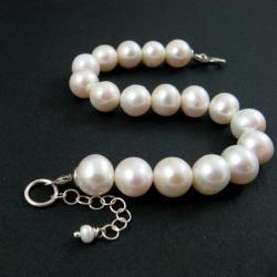 perłowa,okazała - Bransoletki - Biżuteria
