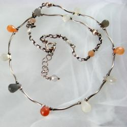 delikatny,z kamieniem księżycowym - Naszyjniki - Biżuteria