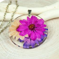 naszyjnik z zatopionymi w żywicy kwiatami - Naszyjniki - Biżuteria