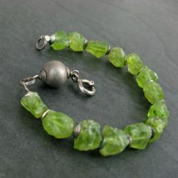 zielona,surowa,peridot - Bransoletki - Biżuteria